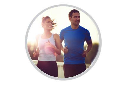 Žena a muž při běhu